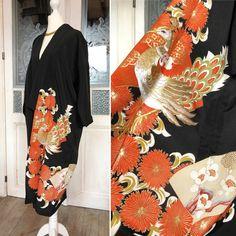 8e4a4b791ad1 Etsy のGorgeous Kimono short coat in black with goldenen Phoenix embroidery    Handmade Kimono robe
