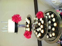 Like accent flowers on the cake stand instead of the actual cake or cupcake