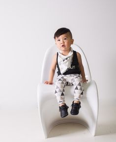 Organic Cotton Leggings | VONBON trendy triangle leggings for both boys and girls | Available Sizes 0-3M- 4T.
