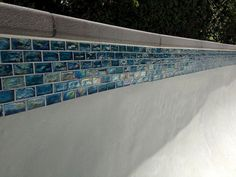Résultat d'image pour Waterline Pool Tile Ideas Pool Design Waterline Tile For The Pool Waterline Pool Tile Swimming Water Line Tile Glass Tiles Form The W Pool Spa, My Pool, Backyard Pool Landscaping, Backyard Pool Designs, Oasis Backyard, Pool Pavers, Concrete Pool, Backyard Ideas, Pool Coping