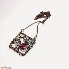 Iaia Bijoux: Square pendant