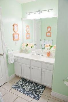 EN SUITE TOUCH UP, WALL COLOUR Mint for main Bath- over mirror lights for en suite
