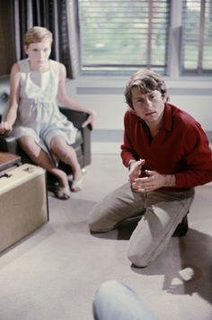 John Cassavetes and Mia Farrow in Rosemary's Baby John Cassavetes, Baby Movie, Rosemary's Baby, Mia Farrow, Roman Polanski, Rose Marie, Hero Movie, Sharon Tate, Cinema Movies