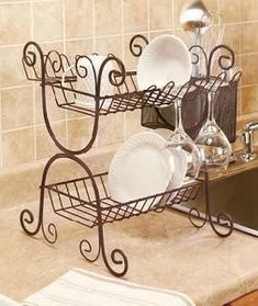 A Wrought Iron Dish Rack is ideal for drying and storing dishes and cutlery. Plate Racks, Dish Racks, Kitchen Items, Kitchen Decor, Wrought Iron Decor, Iron Furniture, Iron Art, Tuscan Decorating, Cuisines Design