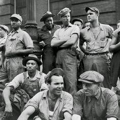 dd38e-engeldockworkers-1947.jpg (800×798)