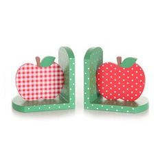 These apple bookends are just too cute. They are hand painted and I am loving the mix of gingham and spots. I'm spotting more and more apple motifs in children's products and clothing a… Wooden Bookends, Little Library, Shops, Country Paintings, Kid Spaces, Retro Design, Vintage Gifts, Handmade Toys, Scrapbook Paper