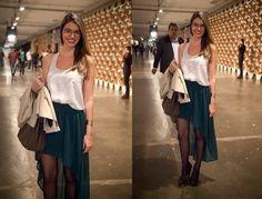 Elisa Baeninger Grego {{ 25 anos, jornalista, estudante de publicidade e amante da moda desde pequena. Sempre encantada pelas tendências e como elas podem renovar o nosso astral, aproveito esse espaço para compartilhar com vocês todos os meus achados e tudo que me encanta. Inspiração é a palavra de ordem por aqui! }}