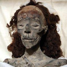 QUEEN TIYE: Queen and Great Royal Wife of Pharao Amenhotep III. Mother of Amenhotep IV/Akhenaten.