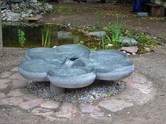Flowform Shamrock, großer Quellstein in Kleeblattform als schöner, symmetrischer Blickfang - Flowforms - Wasserkaskaden - Bachläufe