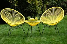 Vintage garden chairs While old around notion, the actual pergola continues to be encountering a Outdoor Furniture Chairs, Retro Furniture, Garden Furniture, Patio Vintage, Vintage Decor, Metal Lawn Chairs, Acapulco Chair, Garden Chairs, Terrace Garden
