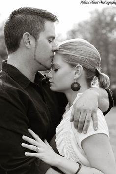 Forehead kisses during an engagement session = <3.