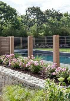 Fence: Swimming Pool Protection Fence: Swimming Pool Protection x x Horizontal Weave Fence Panel (Set of Bel Étage Cheap Privacy Fence Ideas for Your Front Yard or Backyard Cheap Privacy Fence, Diy Fence, Fence Landscaping, Backyard Fences, Garden Fencing, Garden Beds, Wooden Fence, Cheap Fence Ideas, Fence Design