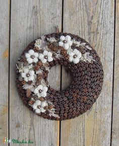 coffee bean wreath with felt/yarn flowers Coffee Bean Decor, Coffee Bean Art, Coffee Crafts, Coffee Beans, Christmas Crafts, Christmas Decorations, Holiday Decor, Hobbies And Crafts, Diy And Crafts