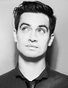 black-white-brendon-urie-handsome-patd-Favim.com-4768377.jpeg (500×650)
