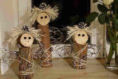andílci ze špalků dřeva: