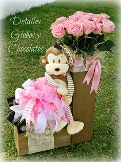 Valentines Day Baskets, Valentines Gifts For Boyfriend, Valentine Crafts, Baby Bouquet, Gift Bouquet, Candy Flowers, Balloon Flowers, Diy Gift Box Template, Valentine Bouquet