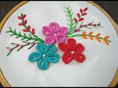 brazilian embroidery for beginners Hand Embroidery Tutorial, Hand Embroidery Flowers, Hand Work Embroidery, Hand Embroidery Stitches, Hand Embroidery Designs, Embroidery For Beginners, Embroidery Techniques, Brazilian Embroidery Stitches, Fabric Paint Designs