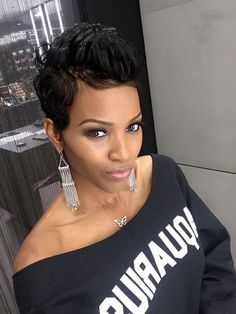 38 Easy Short Hairstyles for American Women!American women are known for their unique beauty and outstanding confidence. American women have a set of their wo Short Hair Styles Easy, Short Hair Cuts, Natural Hair Styles, Pixie Cuts, Cute Hairstyles For Short Hair, Wig Hairstyles, Halle Berry Hairstyles, Haircuts, Black Women Short Hairstyles