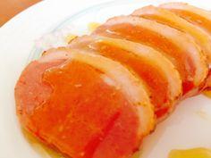 ヤマ食 合鴨マンゴーソース煮 (200g×5本入)  酸味と甘味のバランスのとれた、マンゴーの風味豊かな商品です  鴨肉というとオレンジソースのイメージでしたが、『マンゴーと鴨肉ってすごい合うんだ!!』という衝撃を覚えました(笑)  とっても美味しい一品です♪  前菜、オードブルなどにどうぞ!!    5本単位のお取り寄せ商品となりますので、ご注文お待ちしております!!  業務用食品資材綜合卸 和光食材株式会社  本社 山形県酒田市坂野辺新田古川121-1 酒田事業部 TEL 0234-41-0271 鶴岡事業部 TEL 0234-41-0272  寒河江営業所 山形県寒河江市中央工業団地155-17 TEL 0237-85-2660(代)