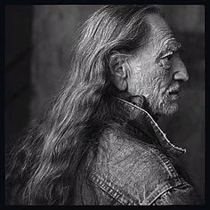 Willie Nelson, Luck Ranch, Spicewood, Texas, 2001  annie leibovitz