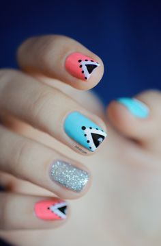 Triangle nail art: three color colour design: soft baby pink (Nfu Oh Mor04), light neon blue (Rainbow Honey Mint Flavor) and glitter sparkle silver (A-England Merlin) and black triangles and dots and white
