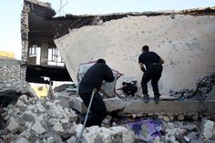Islamic State launches offensive near Ramadi in Iraq - http://www.baindaily.com/islamic-state-launches-offensive-near-ramadi-in-iraq/