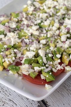 Tomatsalat med avokado og feta Healthy Salad Recipes, Diet Recipes, Avocado, Feta Salat, Dinner Is Served, Food Festival, Food Inspiration, Food Porn, Brunch