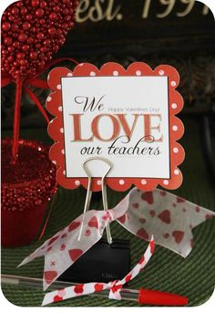 Valentines Day, I love this idea oh I think I've found my kids teacher's gifts