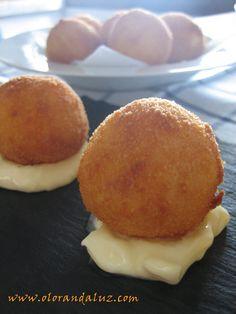 7 aperitivos imprescindibles!! | Cocinar en casa es facilisimo.com...bolitas de patata con jamón serrano y queso
