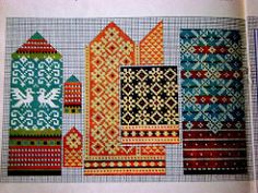 Jacquard patterns for mittens. Discussion on LiveInternet - Russian Service Online diary Knitted Mittens Pattern, Knit Mittens, Knitted Gloves, Knitting Charts, Knitting Stitches, Knitting Patterns, Craft Patterns, Textile Patterns, Textiles