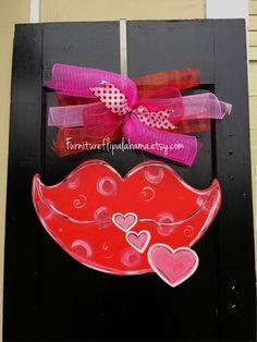 Valentine door hanger, valentine wreath,valentine lips door hanger,kiss wooden door hanger,popular valentine door decor,trendy door decor by Furnitureflipalabama on Etsy