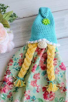 Crochet Girls, Crochet Home, Crochet Baby, Crochet Kitchen, Unique Crochet, Love Crochet, Crochet Towel Topper, Girl Gnome, Beginner Crochet Tutorial