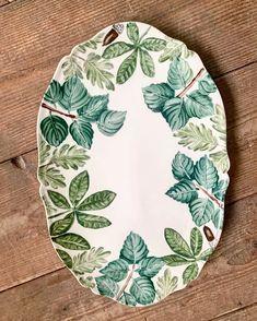 Pottery Bowls, Ceramic Pottery, Ceramic Plates, Ceramic Art, China Painting, Clay Projects, Handmade Pottery, China Porcelain, Instagram
