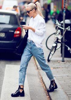 この時期毎日でも活躍させたいワードローブの定番アイテム「シャツ」。でもいつも同じ着こなし方だとイメージが一緒になりがちですよね。同じシャツでも、より今っぽくオシャレに見える着かたをマスターすれば、明日から旬な「シャツ美人」に!