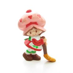 Strawberry Shortcake with her Broom miniature figurine