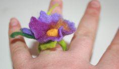 Petunie Filzring , Ring gefilzt von Style for you auf DaWanda.com