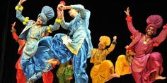 Complete Details of folk and tribal dances of India. Tribal and folk dances are the best way to explore the vast cultural landscape of India. Happy Baisakhi, Summer Fest, Festivals Of India, Dance Images, Tribal Dance, Shall We Dance, Folk Dance, Flamboyant, Learn To Dance