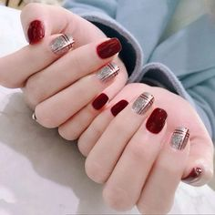 Enchanting Wine Red Nail Art Designs Ideas That Suitable For You - The art of fingernail decoration has been around for such a long time. What we call nail art these days actually originated from way, way back when pe. Ongles Bling Bling, Bling Nails, Red Nails, Swag Nails, Glitter Nails, Gold Glitter, Glitter Wedding, Wedding Nails, Red Nail Designs