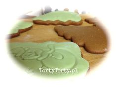 Gingerbread decorated with fondant