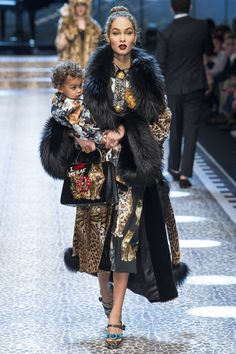 Dolce & Gabbana Autumn/Winter 2017 Ready-to-Wear Collection