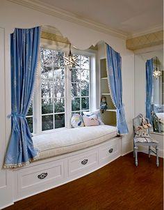 um banco à beira da janela: sonho!