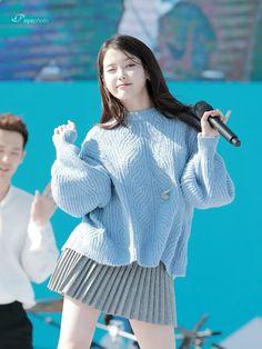Kpop Girl Groups, Kpop Girls, Iu Fashion, Fashion Outfits, Korean Girl, Asian Girl, Pose, Korean Actresses, Jennie Blackpink