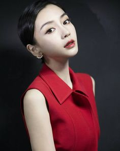 Liu Shishi, Chinese Gown, Angelababy, Chinese Actress, Caption, Asian Beauty, Gowns, Actresses, Beautiful