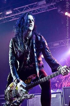 Todd Kerns is the bassist for Slash and guitarist & vocalist for Sin City Sinners.