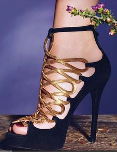 Ralph Lauren - gorgeous black & gold sandal