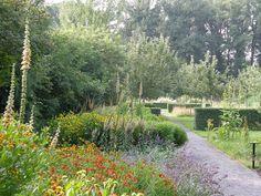 Garden impressions | Gardens Mien Ruys Landscape Design, Garden Design, Prairie Garden, Formal Gardens, Hedges, Outdoor Spaces, Country Roads, Nature, Plants