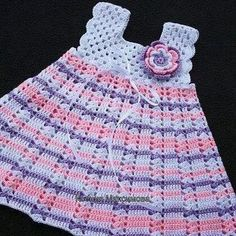 Knitting Dress Baby Models – Cemile Kuyucu – Join the world of pin Crochet Toddler Dress, Crochet Dress Girl, Knit Baby Dress, Baby Girl Crochet, Crochet Baby Clothes, Crochet For Kids, Knitted Baby, Baby Sweater Knitting Pattern, Crochet Headband Pattern
