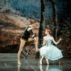 Giselle choreo Mary Skeaping by Estonin National Ballet Male Ballet Dancers, Ballet Boys, Ballet Costumes, Dance Costumes, Ballet Photography, Photography Poses, Ballet Russe, La Bayadere, Concerts