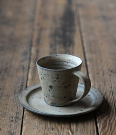ceramic cup and saucer Analogue Life: 大江憲一展の様子