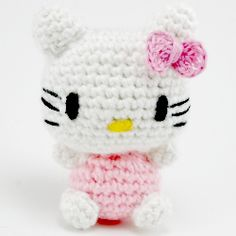 An original design to make a palm sized amigurumi Hello Kitty! Free pattern available! #craftgawker